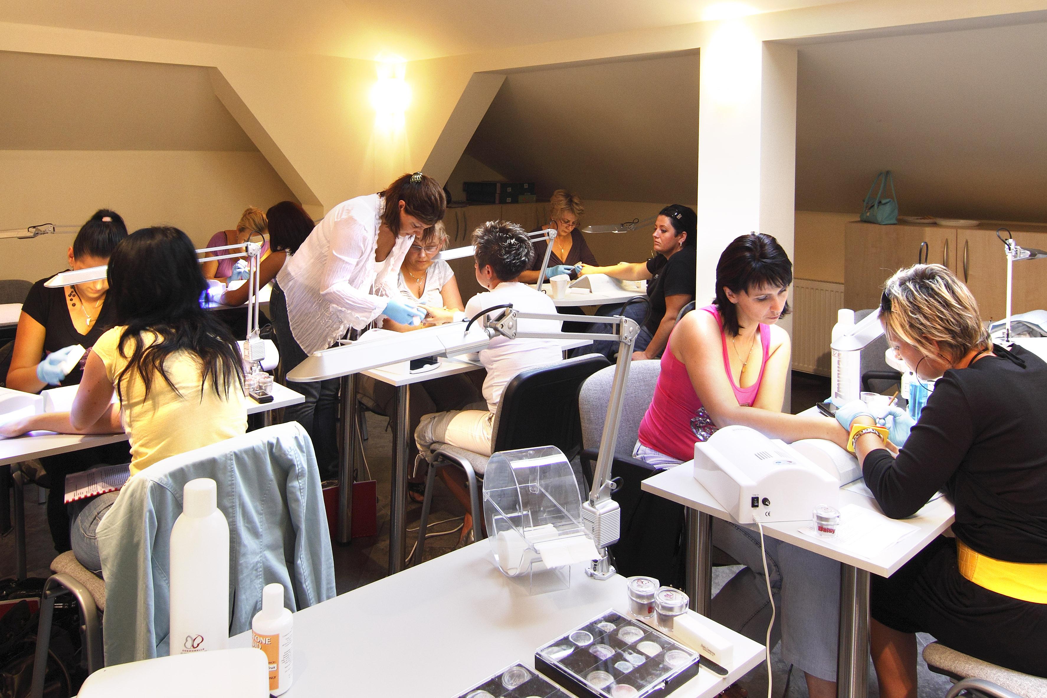Szkolenia Z Zakresu Manicure I Pedicure Ambasada Urody